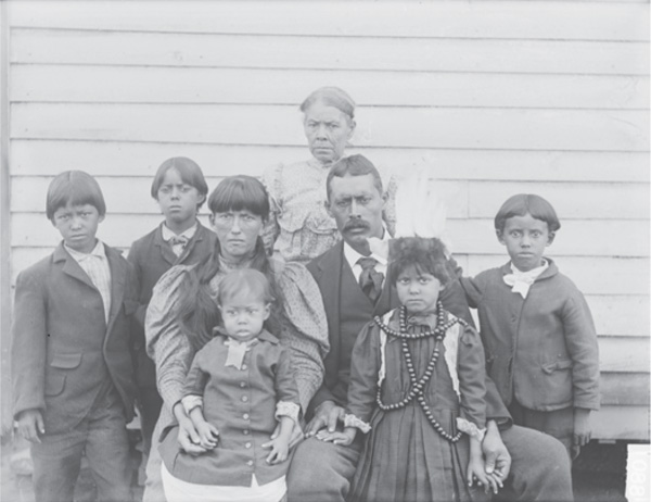 Family of George Major Cook, Oct. 1899, created by De Lancey W. Gill, NAA INV 06196100 OPPS NEG 00880, Glass Negatives of Indians (Collected by Bureau of American Ethnology), National Anthropological Archives, Smithsonian Institution.