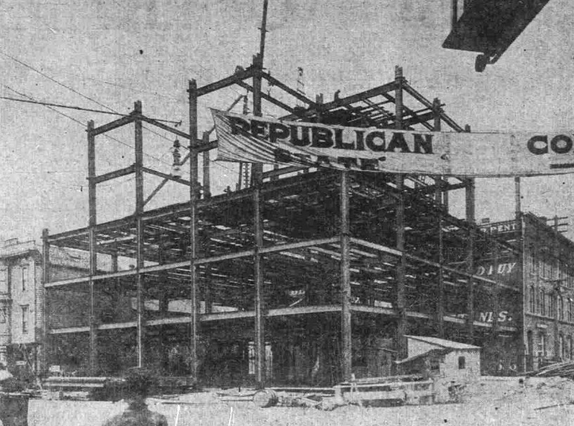 1906 Construction (Source: By Unknown - The Sunday Oregonian, Public Domain, https://commons.wikimedia.org/w/index.php?curid=59429245)
