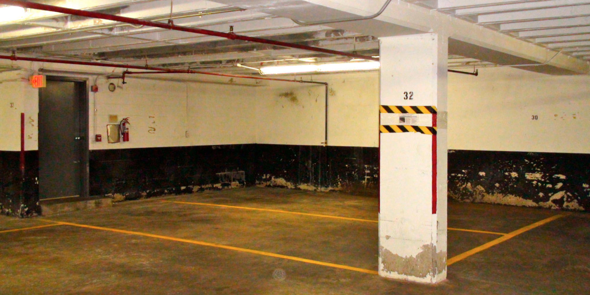 Parking space D32