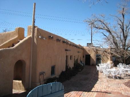 Courtyard of Las Mañanitas