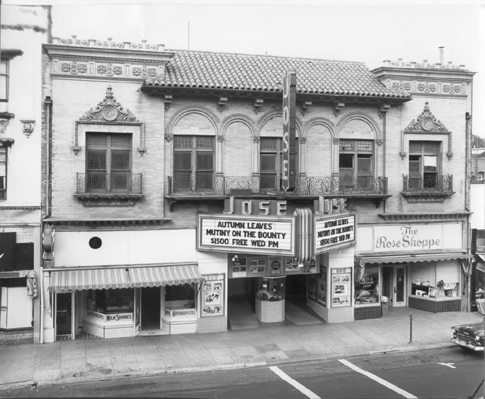1950 black and white photograph of the José theater