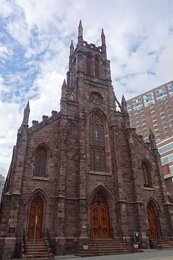 Saint Peter the Apostle Church was built in 1865 and remains one of the city's important landmarks (image from Wikimedia Commons).