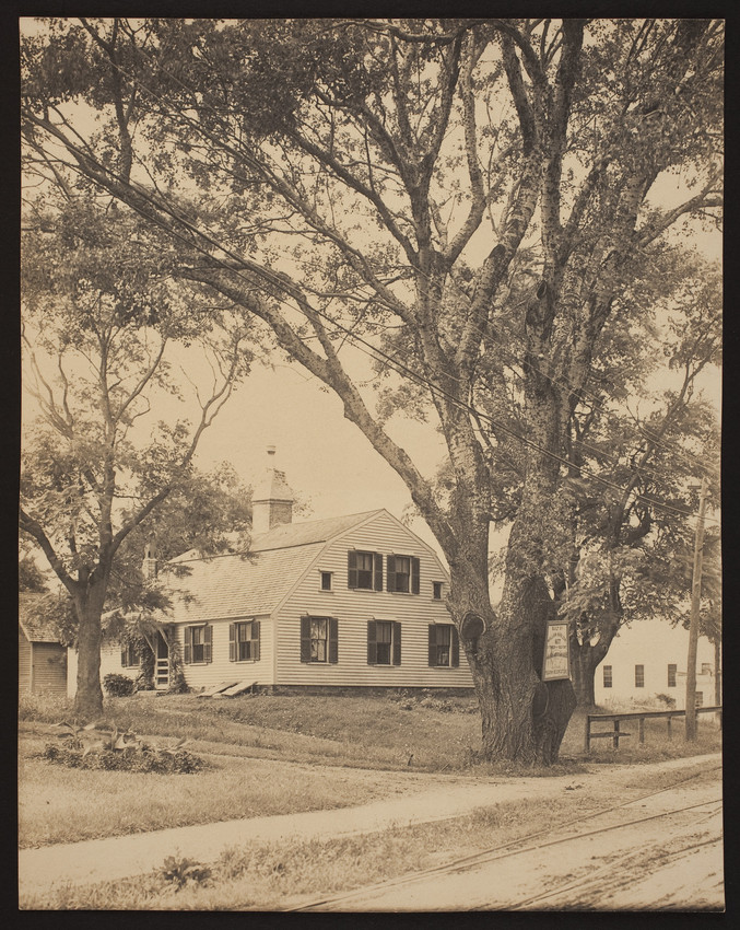 "The Harlow Old Fort House (Courtesy of Historic New England).  According to the website, there is an inscription on the back on the photo which identifies it as ""the oldest house in Plymouth."""