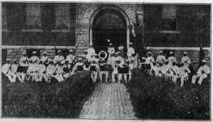 Musicians of the Local 627 at Lincoln Electric Park, August 1917.