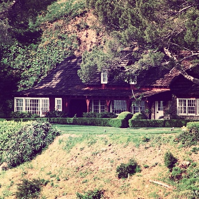 Photo of the Mansion circa 1969 (sourced from blog located at http://mastercontrol.tumblr.com/post/145256006137/10050-cielo-drive-above-beverly-hills-home-of)