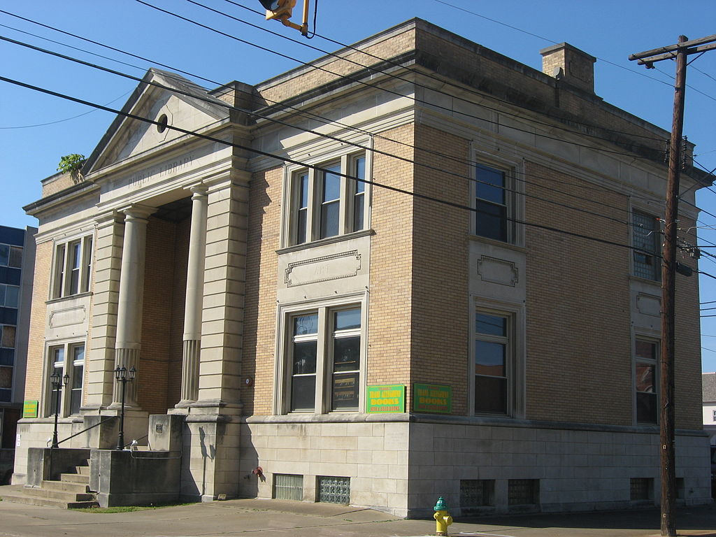 The former library building was bought in an auction in 1978 and has been home to numerous businesses, including a restaurant and used bookstore.