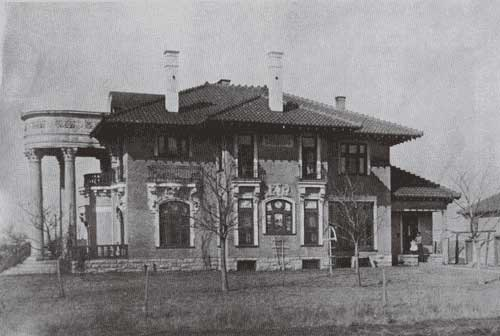The home in 1908