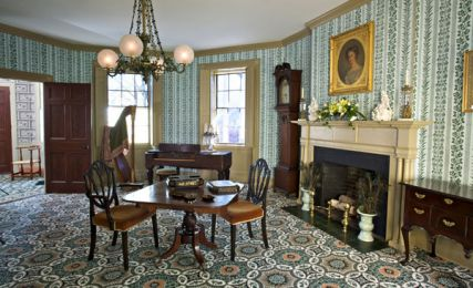 Interior Room of Hedge House (Courtesy of Destination Plymouth County)