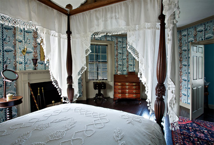 Bedroom (Courtesy of Old House Online)