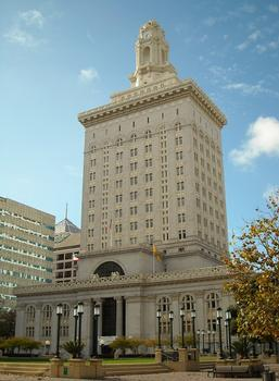 A shot of the City Hall as it stands today.
