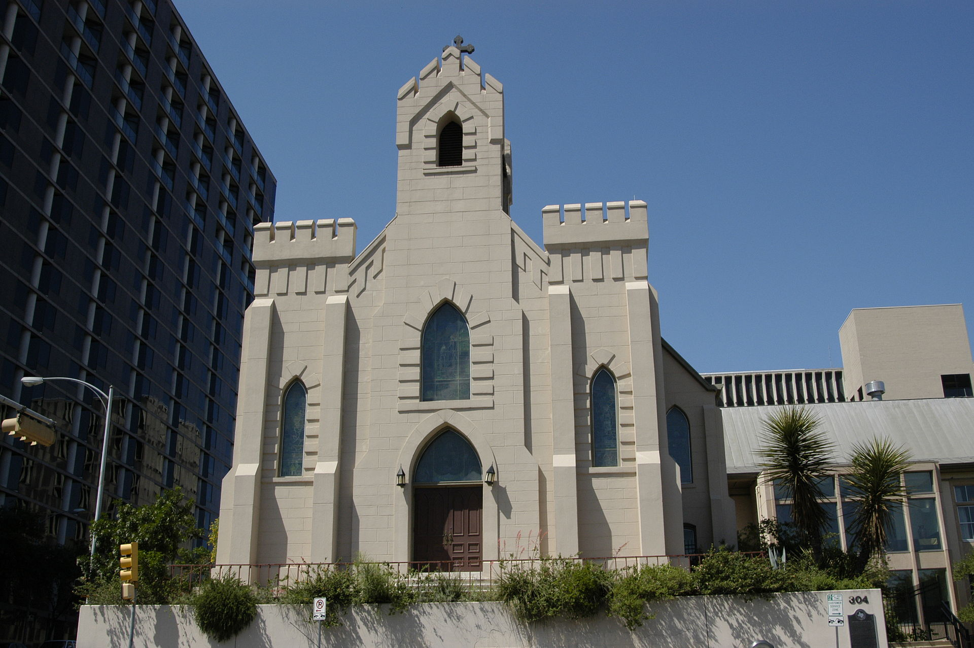 St. David's Episcopal Church was built in 1855 and is among the city's oldest buildings.