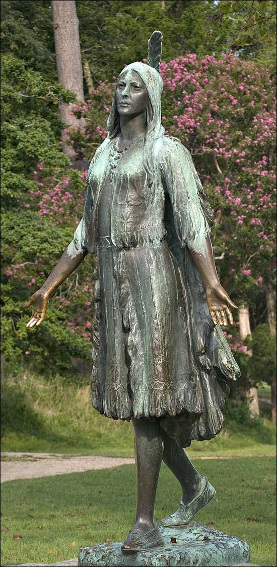 Pocahontas statue at Jamestown photograph by Hfdapuirhdk on Wikimedia Commons (public domain)