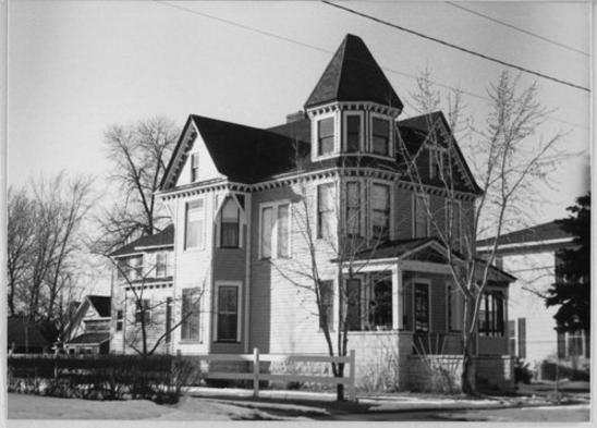 Oscar Nowlan House