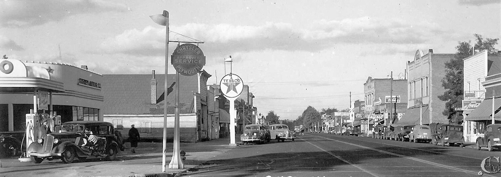 Looking east on 1st Street, about 1946. Cheney Motors on the left.