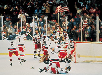 1980 US hockey team celebrating the victory over the USSR