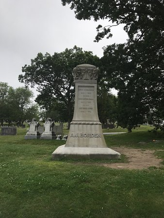 Borden Family Marker at the Oak Grove Cemetery (Courtesy of a post on Trip Advisor)