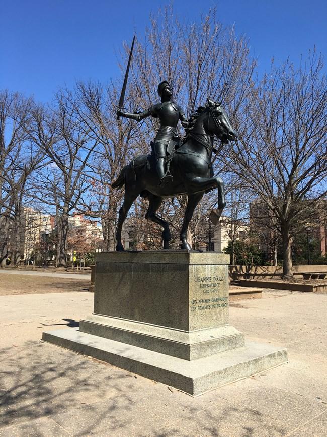 Human, Sculpture, Horse, Landmark