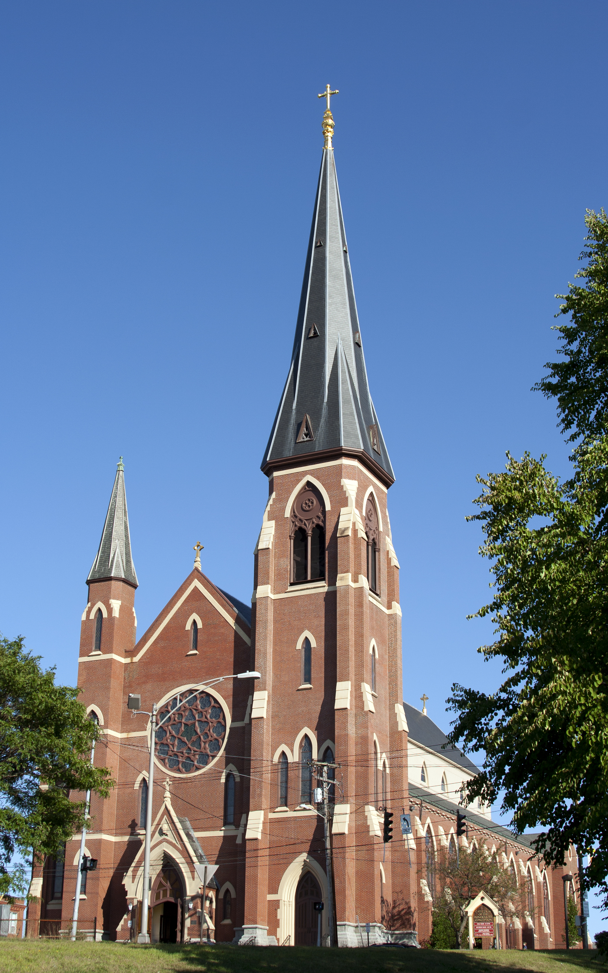 Photograph of the Exterior of the Cathedral, by Richard Diekema of Wikimedia Commons
