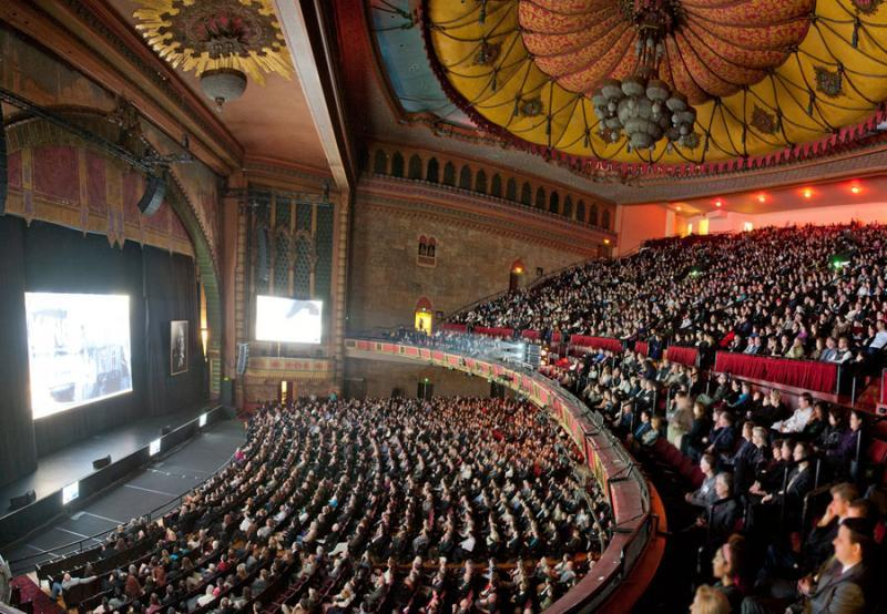 A full house inside the Shrine Auditorium.