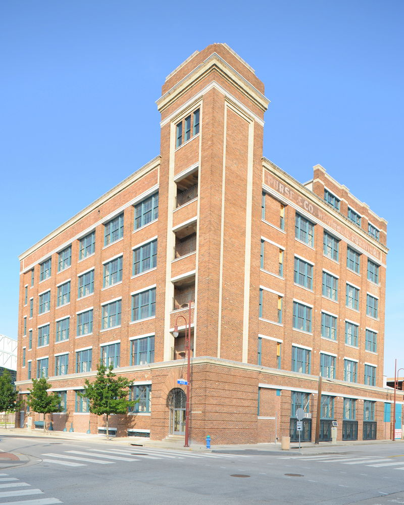 The former Nabisco building was constructed in 1910 and now features residential lofts.
