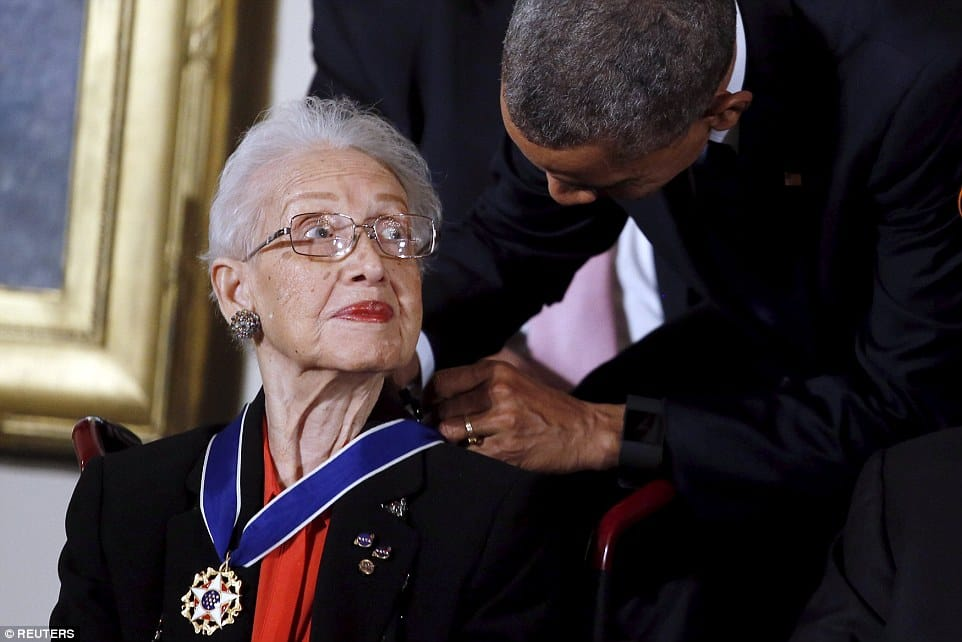 Katherine Coleman Johnson receiving the Presidential Medal of Freedom from President Obama