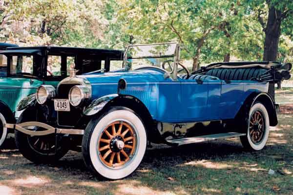 Vintage Dorris car
