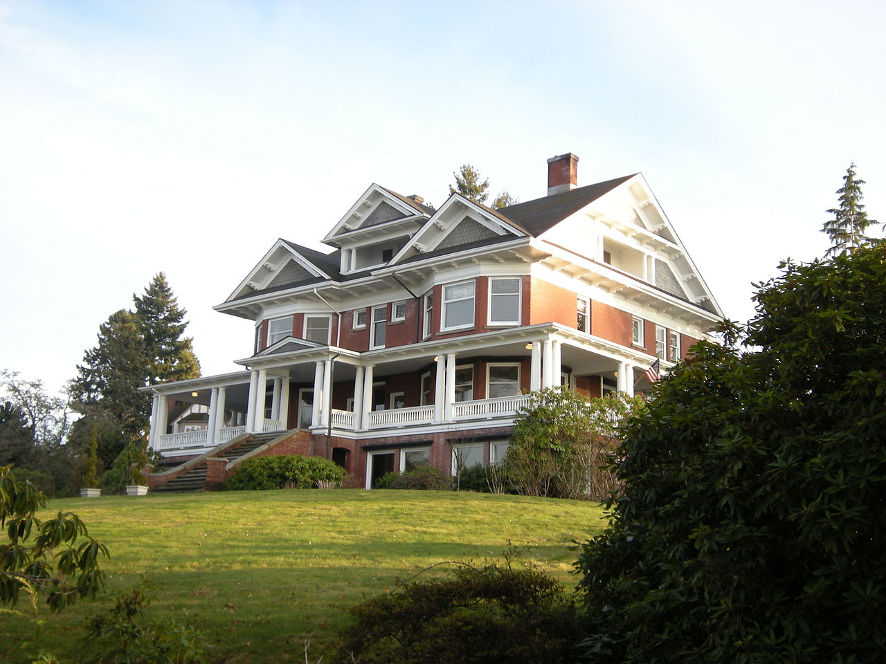 The Ruckers move into their new mansion in Everett, whose rapid growth they have helped promote, in the summer of 1905.