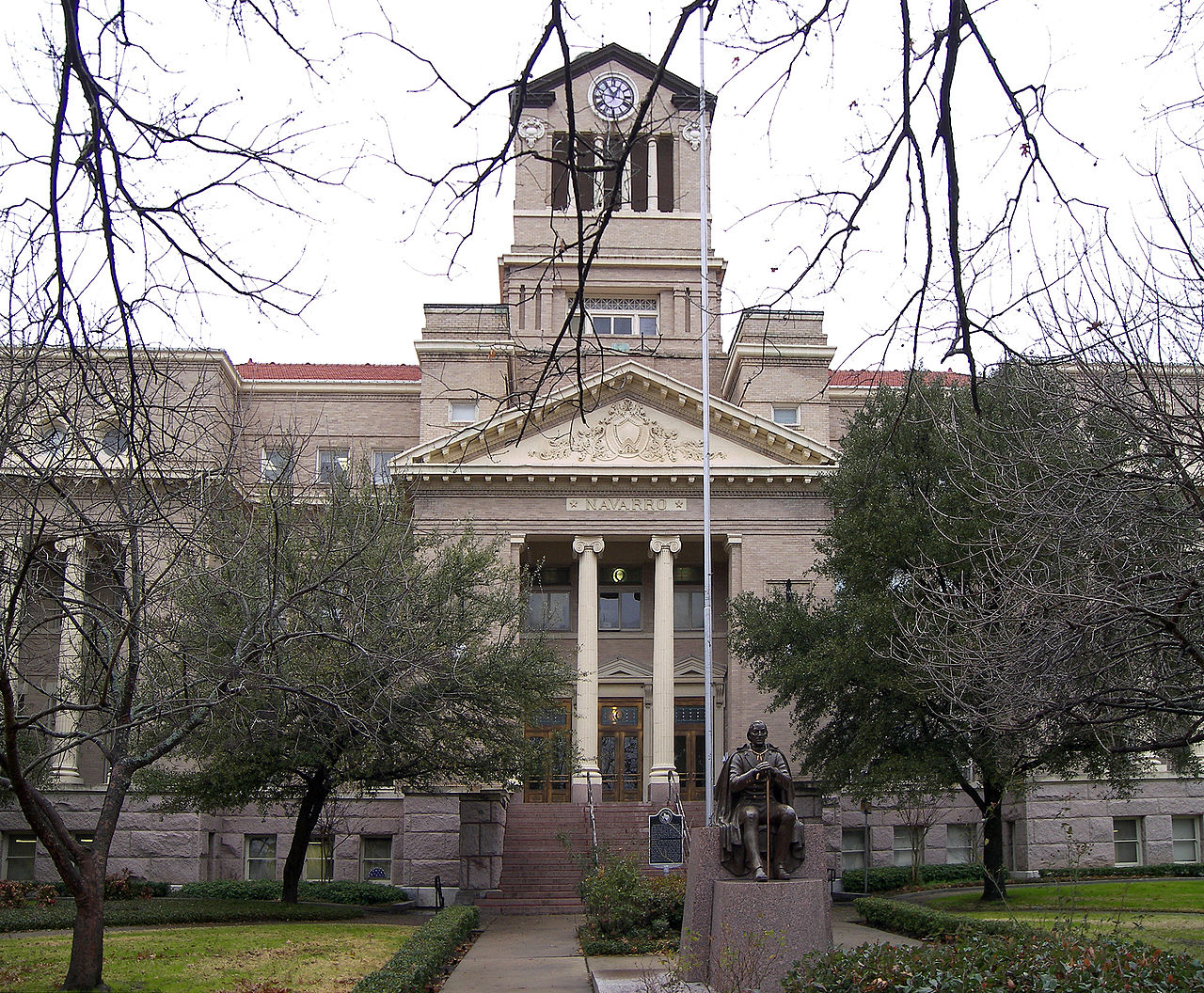 The Navarro County Courthouse was built in 1905 and is the fifth county courthouse at this location.