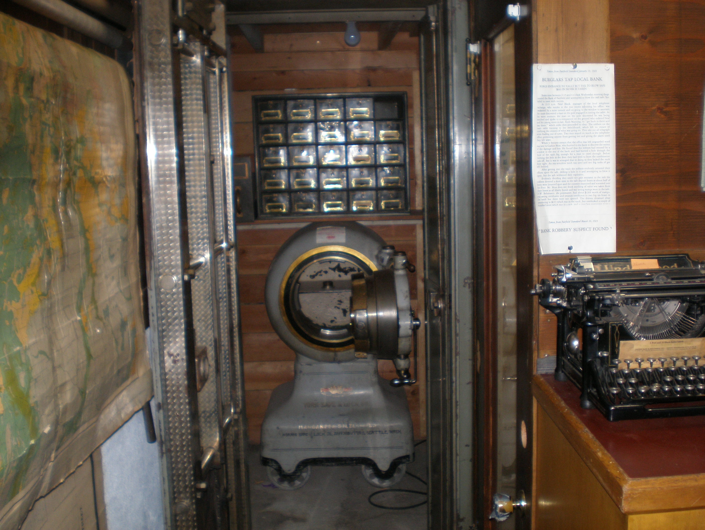Pioneer bank safe