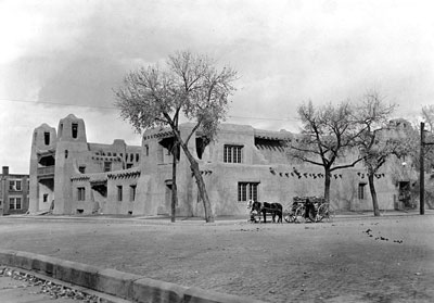 1920s photo of the museum. P.O.G photo archives, NM History Mus.