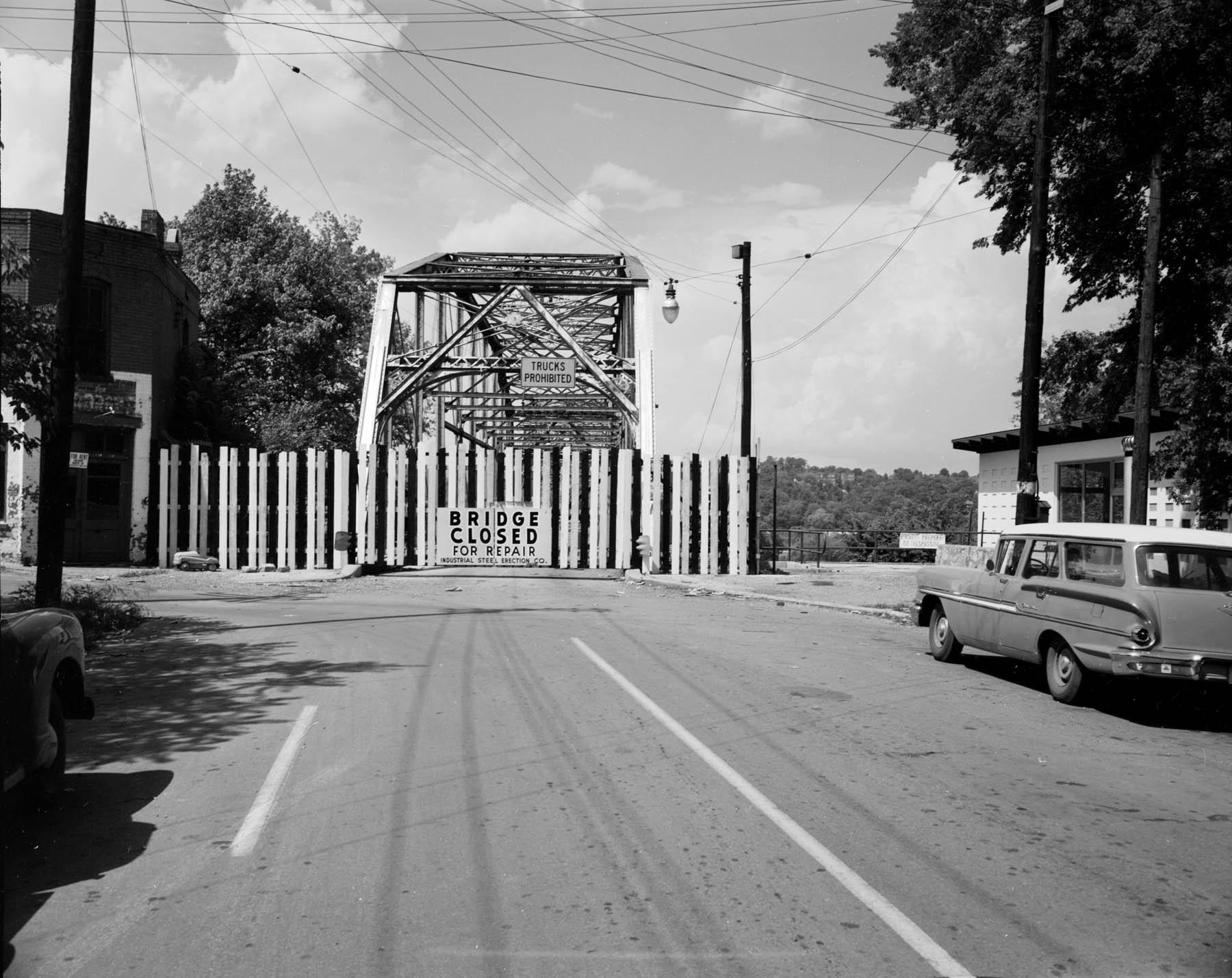 Walnut Street Bridge in the late 1950s.