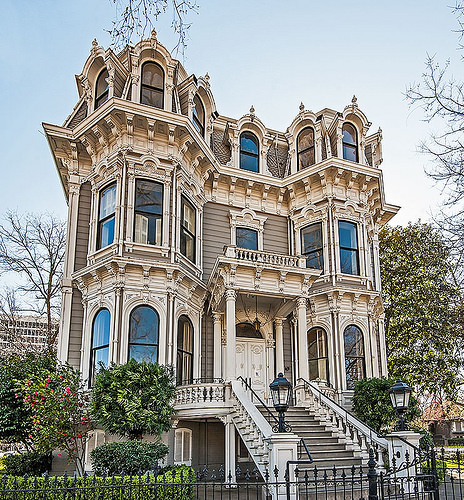 The Heilbron House is notable for its ornamentation, a common trait in the work of architect Nathaniel Goodell. Much of this was accomplished with wood embellishments, springing from Goodell's background as a carpenter.