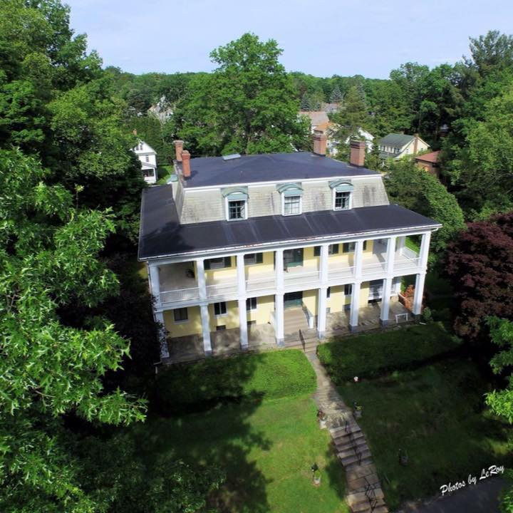 A view of the Baldwin Reynolds House from the air.