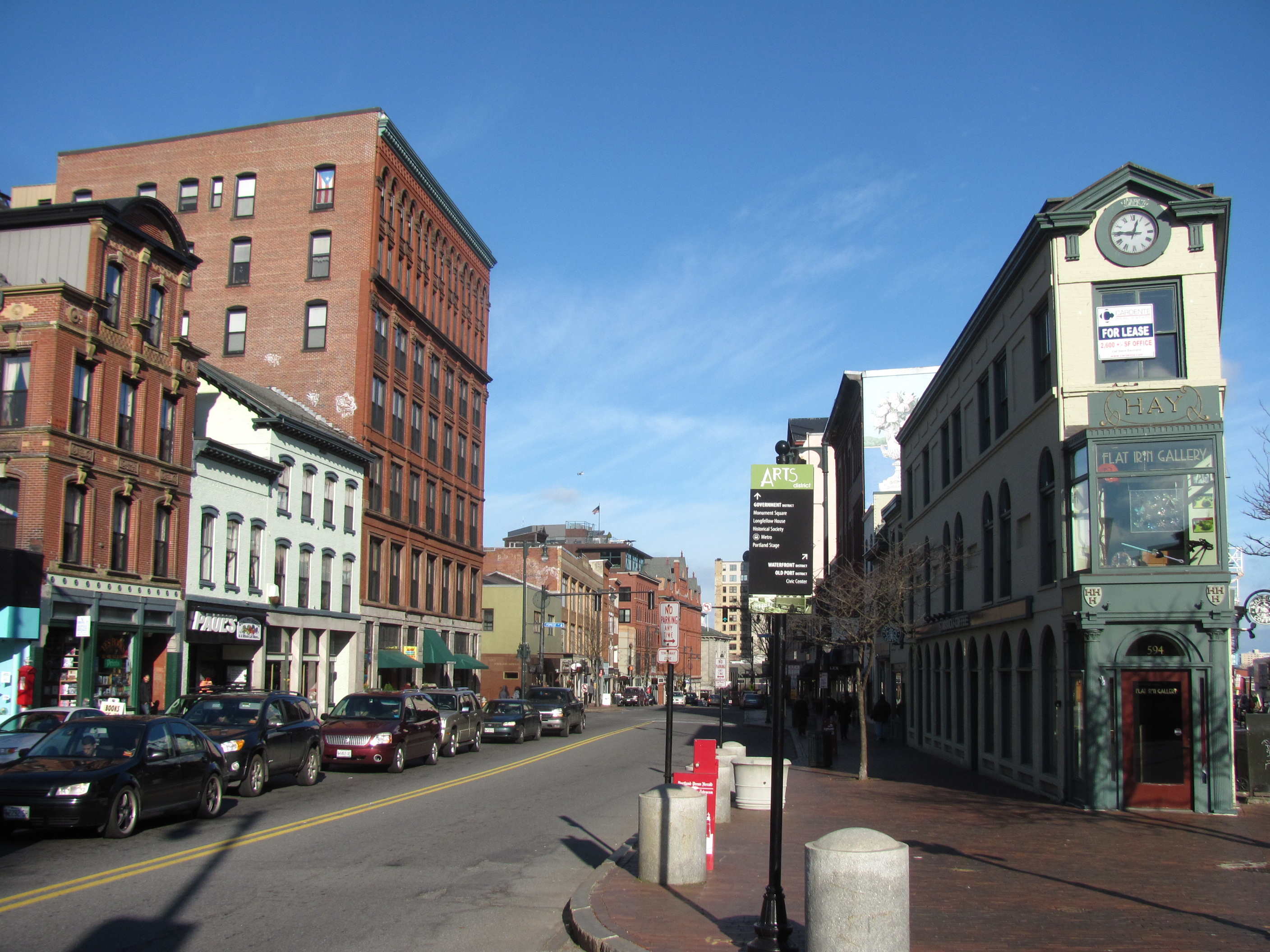 Congress Street and the H. H. Hay building in 2011, by user John Phelan of Wikimedia Commons