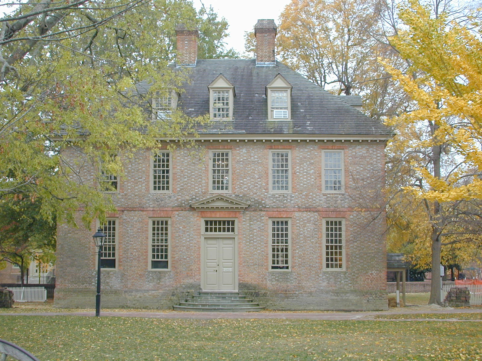 Built in 1723, the Brafferton is the second oldest building at the College of William & Mary. Image obtained from waymarking.com.