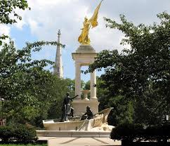 The Francis Scott Key monument located in Baltimore, Maryland prior to the vandalizing that took place in September 2017. You can notice how large and well put-together the monument is. Somebody spent a lot of money and time to get this monument built.