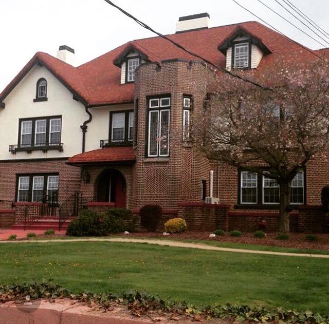 Minnie Bachman Mansion, Sharon, PA