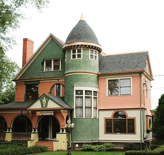 J. P. Whitla Mansion, Sharon, PA