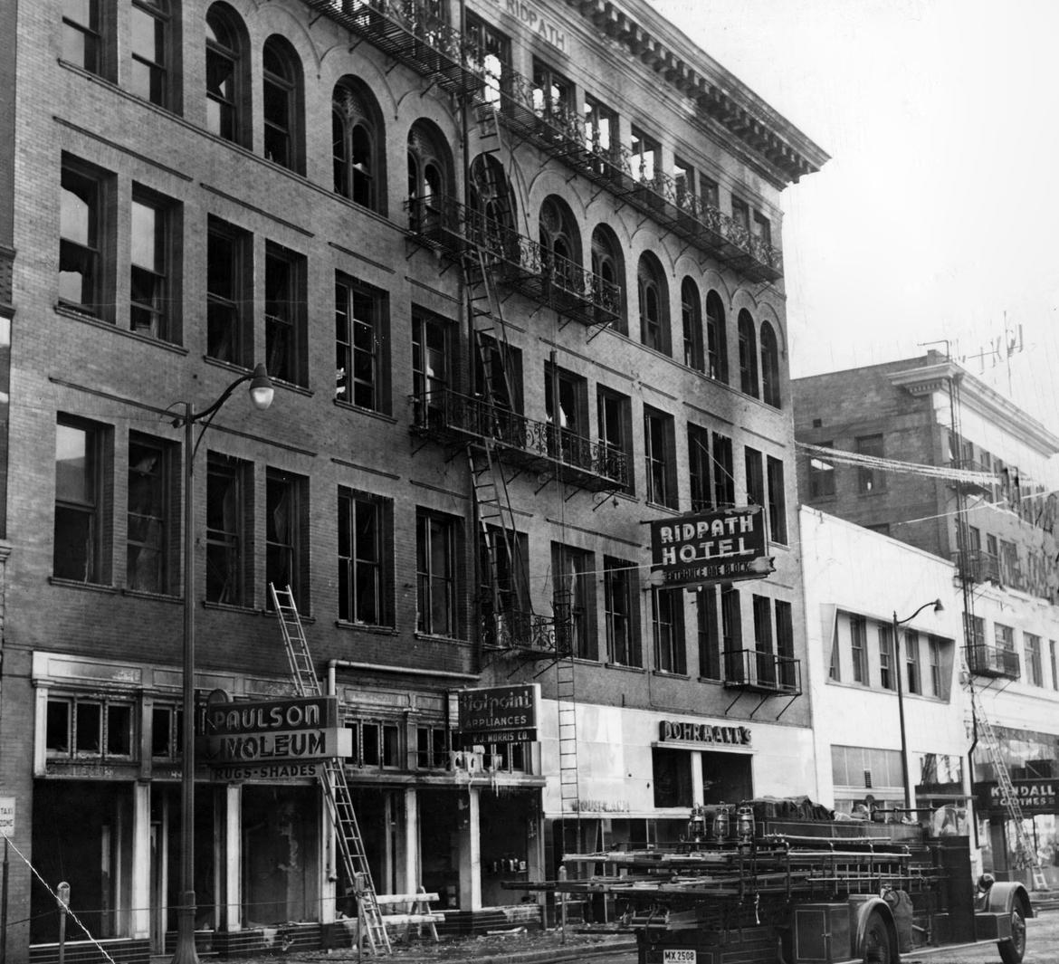 Original four-story hotel, after the 1950 fire. Source: Spokesman-Review Photo Archive.