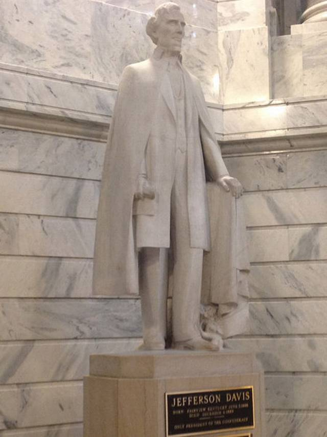 Jefferson Davis statue in the Kentucky State Capitol rotunda (image from the Lexington Herald-Leader)