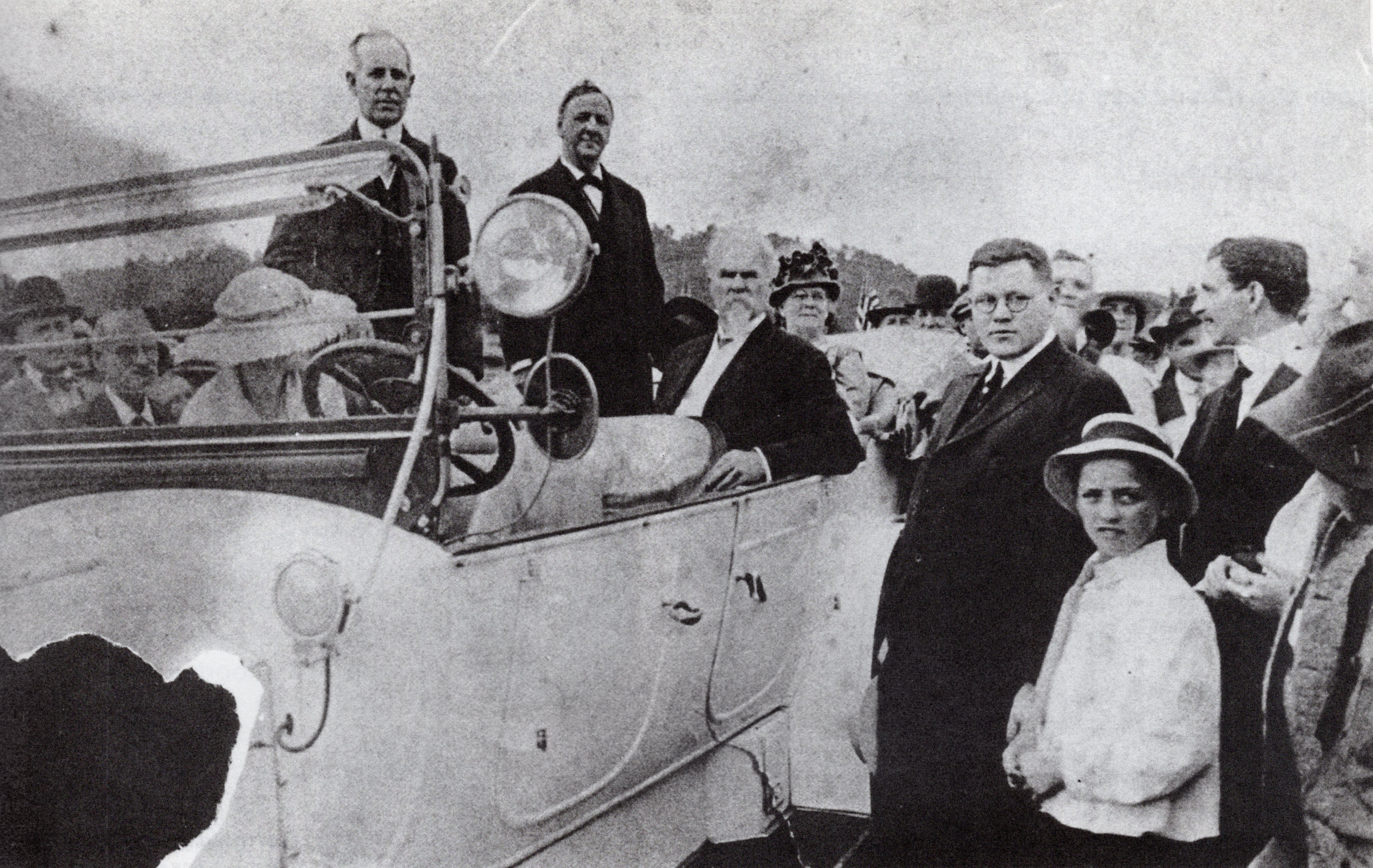 Dignitaries at the groundbreaking, 1917. Left to right: West Virginia Governor John Cornwell, Secretary of the Navy Josephus Daniels, former Governor William MacCorkle, and prominent Charleston businessman R.E.L. Ruffner, who also owned the car.