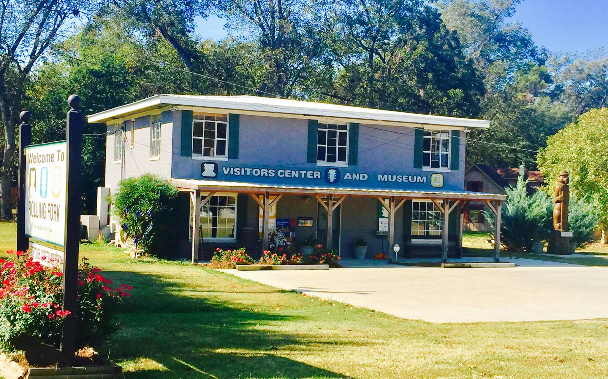 Rolling Fork Visitors Center and Museum showcases the history of the city and region.