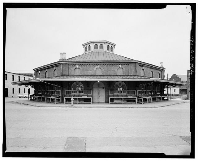 The Historic American Buildings Survey (HABS) shows the City Market in 1959. Food stands encircle the building. Photo by HABS.