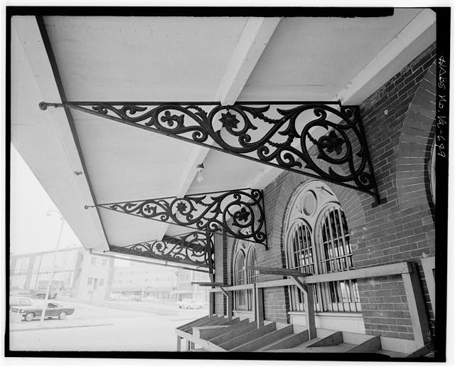 Details like the cast iron brackets, featuring a floral design, also make the City Market a unique place. Photo by HABS.