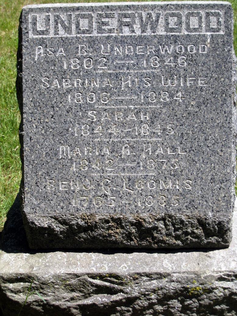 Underwood family monument listing Benjamin Loomis, Mount Avon Cemetery, 2020