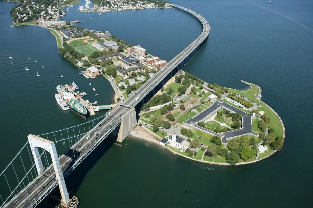 Picture of Throgs Neck Today