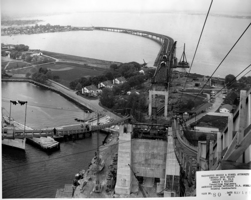 Building Bridge Over Throgs Neck