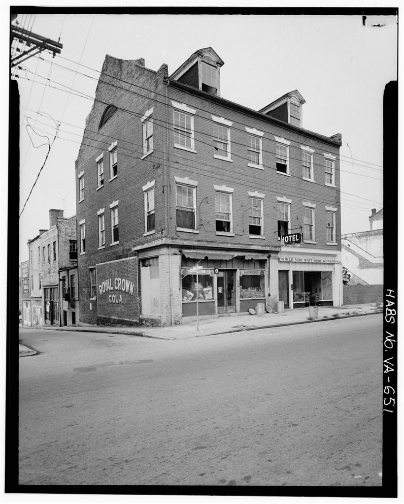 The Historic American Buildings Survey (HABS) documented the Nathaniel Friend House in 1968. Photo by HABS.