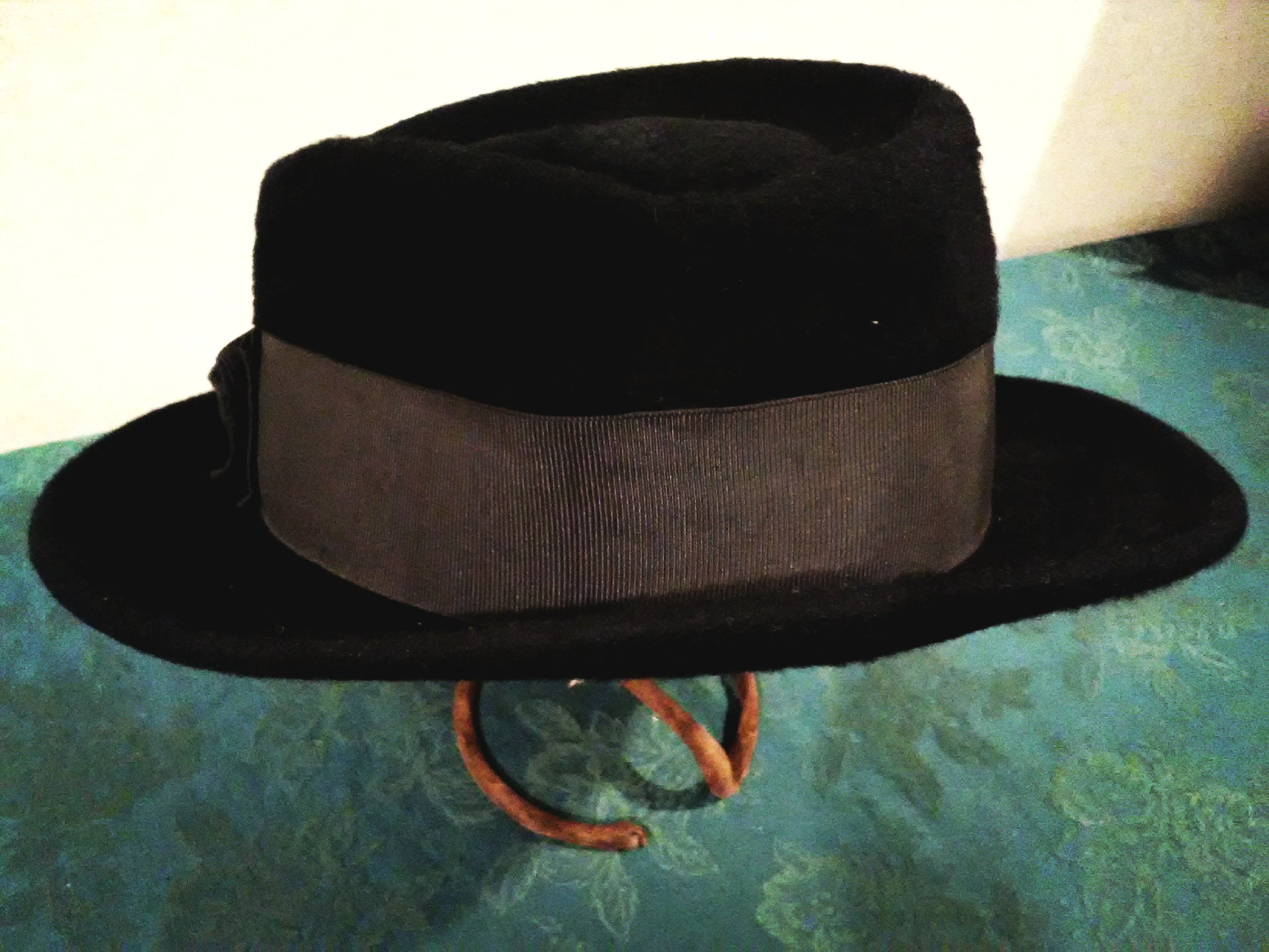 Another image of the hat sold by the Deutsch store and formerly owned by Dr. Powers.