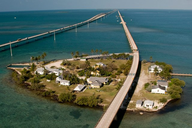 Pigeon Key in the middle of the Seven Mile Bridge